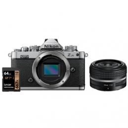 NIKON Z FC BODY + NIKKOR Z 28mm F2.8 SE + SD 64GB 667 PRO LEXAR - GARANZIA 4 ANNI NITAL | Fcf Forniture Cine Foto