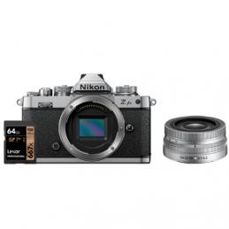 NIKON Z FC BODY + NIKKOR Z DX 16-50mm VR + SD 64GB 667 PRO LEXAR - GARANZIA 4 ANNI NITAL | Fcf Forniture Cine Foto
